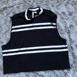 Knit sleeveless croptop
